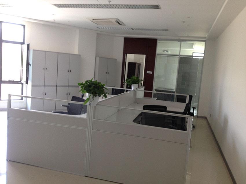 新疆汇和银行办公家具方案