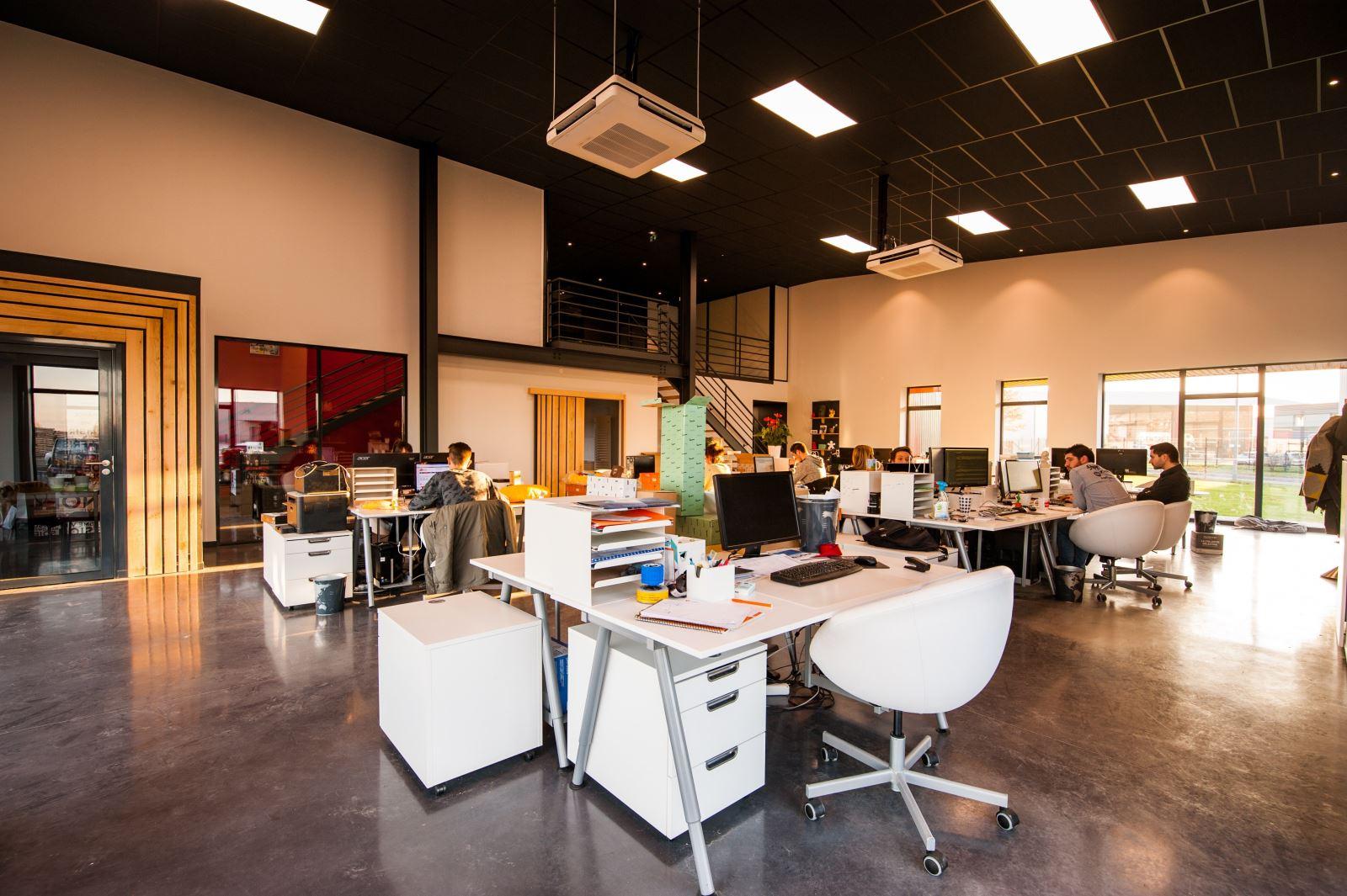 如何在开放式计划办公室获得更多隐私?